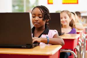 Students_Laptops_600x400-01-300x200 User