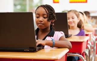 Students_Laptops_600x400-01-320x202 blog